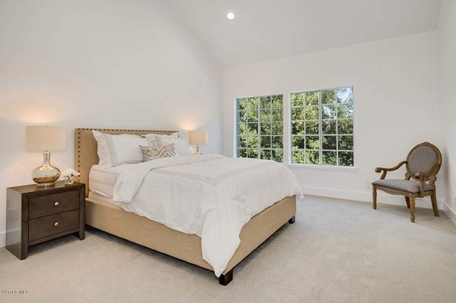 5777 Tanner Ridge Avenue, Westlake Village CA: http://media.crmls.org/mediaz/5B4E08B1-962A-449F-BB2A-10AF179BDF47.jpg