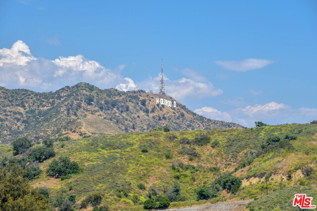 6852 Cahuenga Park Trail #  Los Angeles CA 90068