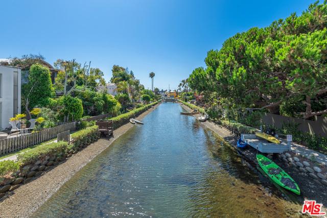 412 Howland Canal, Venice, CA 90291 photo 16