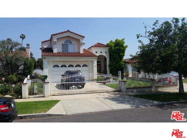 Single Family Home for Rent at 2134 Parnell Avenue Los Angeles, California 90025 United States