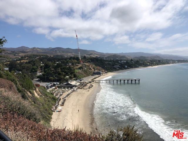 193 Paradise Cove Rd., Malibu CA: http://media.crmls.org/mediaz/5BE4FBE5-8663-485B-8341-7F848328618B.jpg