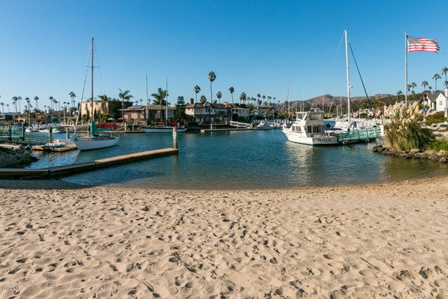 2847 E Harbor Boulevard, Ventura CA: http://media.crmls.org/mediaz/5C12A24C-5CA3-46E7-AC36-C02B19A8CE20.jpg