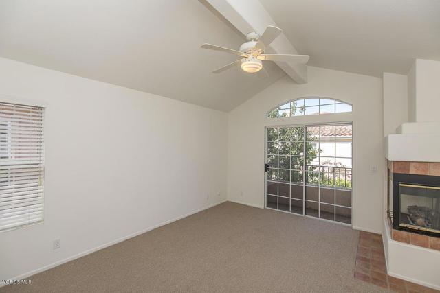 326 Avenida De Royale, Thousand Oaks CA: http://media.crmls.org/mediaz/5C13EE79-4AFC-4030-A07A-0DE5D391C123.jpg