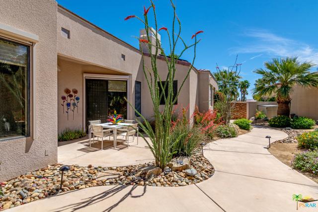 15 Birkdale Circle, Rancho Mirage CA: http://media.crmls.org/mediaz/5C3E08DA-6036-4849-861C-105B22C2FA0A.jpg
