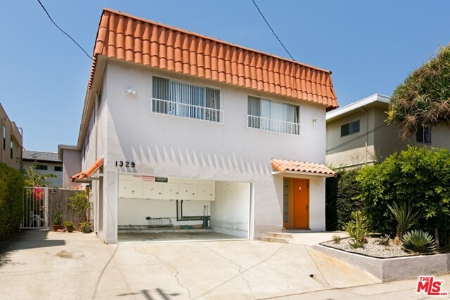 Single Family for Sale at 1329 Saltair Avenue S Los Angeles, California 90025 United States