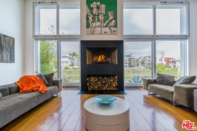 Single Family Home for Sale at 5106 Pacific Avenue Venice, California 90292 United States