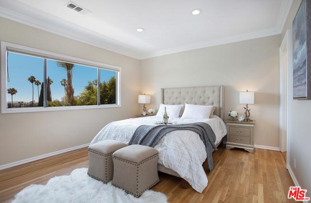 2027 Morgan Hill Drive, Los Angeles CA: http://media.crmls.org/mediaz/5CBF3D15-CAAB-4F22-B7CC-1D6E260E9110.jpg