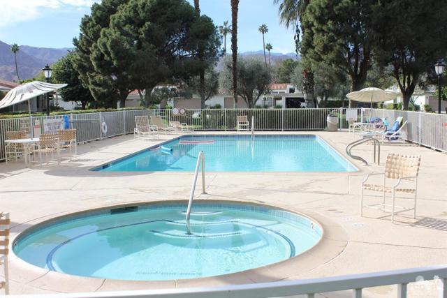 68 El Toro Drive, Rancho Mirage CA: http://media.crmls.org/mediaz/5CC0E7E3-161A-43E2-9E0A-EEC1CF608957.jpg