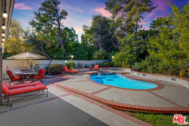 Photo of 5356 OVERING Drive, Woodland Hills, CA 91367