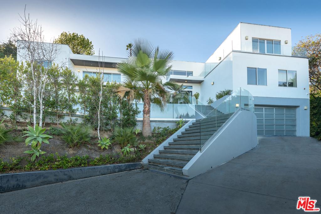 12148 Travis Street #  Los Angeles CA 90049