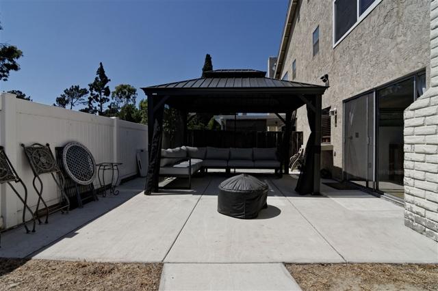 6908 Sandleford Way, San Diego CA: http://media.crmls.org/mediaz/5DD68A99-643A-4F87-A496-1A6DEA521C25.jpg