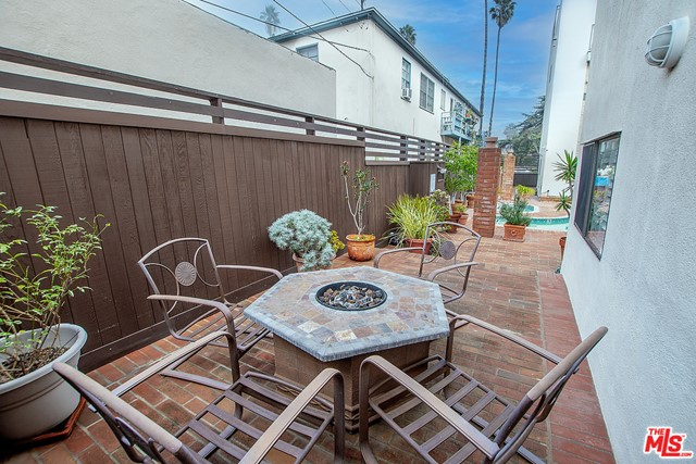 858 12th St 6, Santa Monica, CA 90403 photo 29
