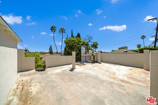 13107 Rose Ave, Los Angeles, CA 90066 photo 30