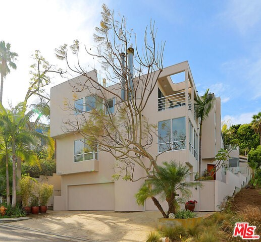Single Family Home for Sale at 8200 Cabora Drive Playa Del Rey, California 90293 United States