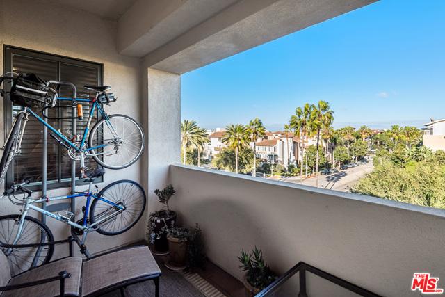 6241 Crescent Pkwy 401, Playa Vista, CA 90094 photo 9