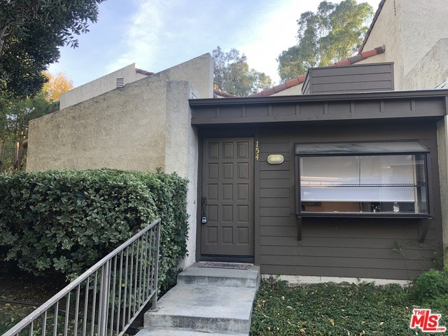 Photo of 21500 CALIFA Street #154, Woodland Hills, CA 91367