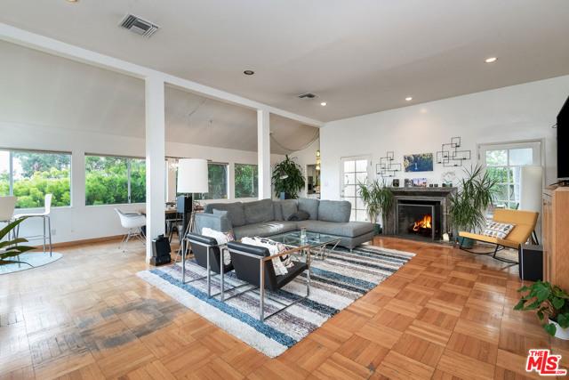 1211 Hilldale Avenue, Los Angeles CA: http://media.crmls.org/mediaz/5F2E85C6-0800-4276-810A-BCD7A2E4A7B9.jpg