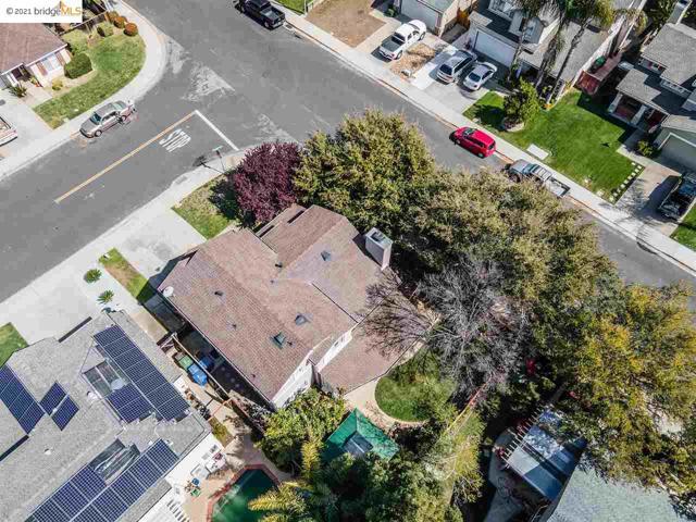 1804 Shadowcliff Way, Brentwood CA: http://media.crmls.org/mediaz/5F2F3ABC-EE36-4D77-B34E-B9FCB891404C.jpg
