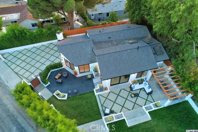 5043 Ramsdell Avenue, La Crescenta CA: http://media.crmls.org/mediaz/5F33C69C-A187-4B78-AC45-D558C73D8F74.jpg