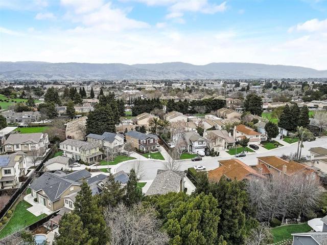 16745 Lone Hill Drive, Morgan Hill CA: http://media.crmls.org/mediaz/5F879388-2B4F-4BF0-A934-9D68282FAB77.jpg