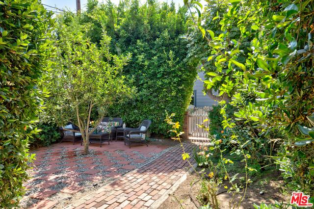 129 Breeze Ave, Venice, CA 90291 photo 2