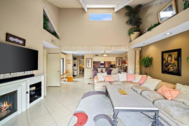 369 Wimbledon Drive, Rancho Mirage CA: http://media.crmls.org/mediaz/5FB90767-BBBC-4FA1-8855-112452F74957.jpg