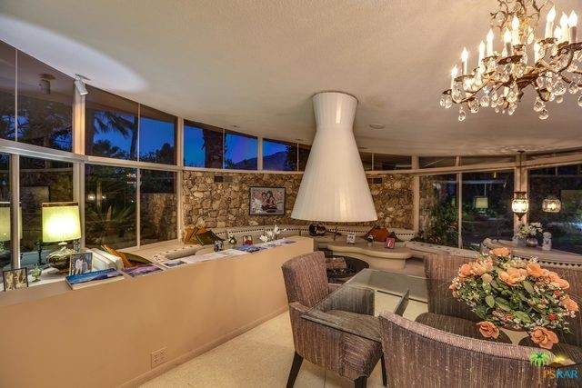 1350 Ladera Circle, Palm Springs CA: http://media.crmls.org/mediaz/5FBFF958-D658-427C-A7C0-ABDC1DDD067E.jpg