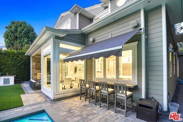 4053 Laurelgrove Avenue, Studio City CA: http://media.crmls.org/mediaz/600E9557-0465-43E0-9AAD-8C7770FC7ABC.jpg