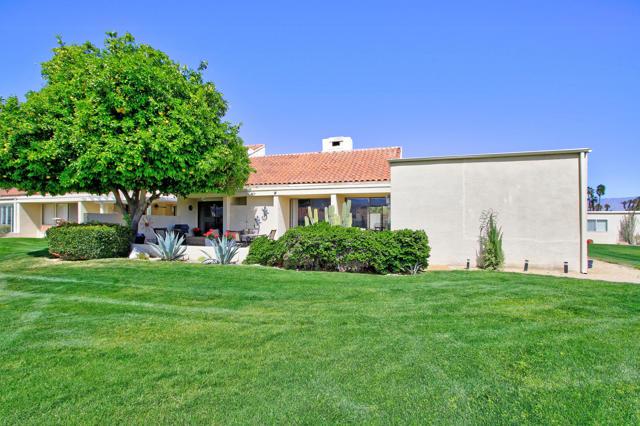 34800 Mission Hills Drive, Rancho Mirage CA: http://media.crmls.org/mediaz/6010F509-5BAA-4A11-8C97-F1AC2A97CB74.jpg