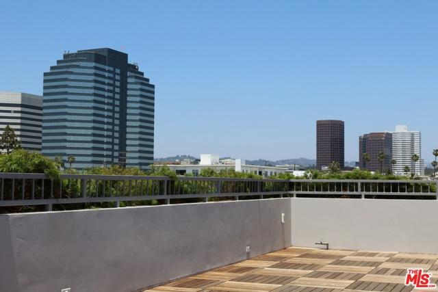1326 S Centinela Avenue, Los Angeles CA: http://media.crmls.org/mediaz/60202F23-5D49-4522-B0D4-F2FECBD74026.jpg