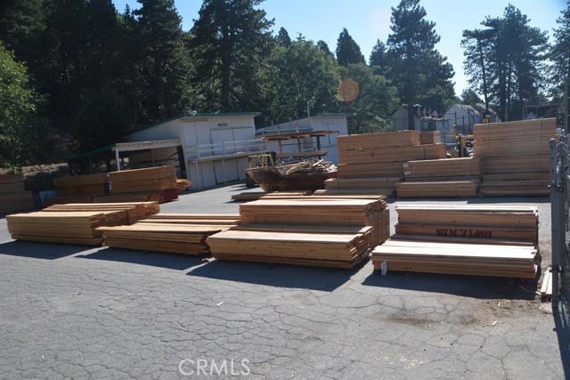 26567 Pine Avenue, Rimforest CA: http://media.crmls.org/mediaz/60426CB1-688E-4D91-94F3-1797422ADB53.jpg