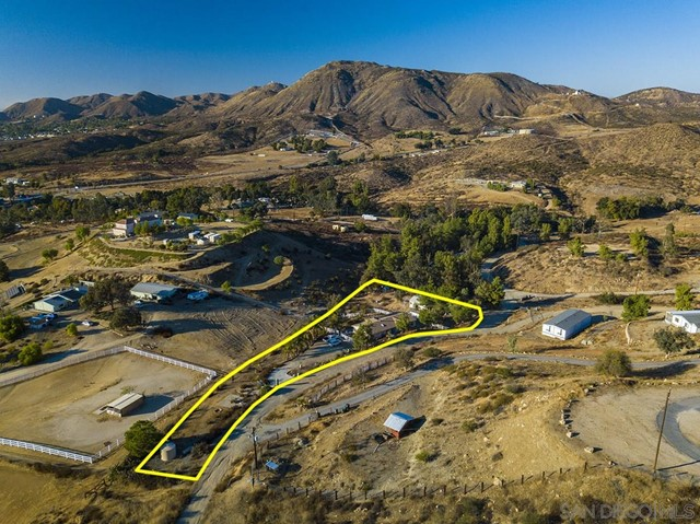 Photo of 24065 Oak Circle Dr, Wildomar, CA 92595