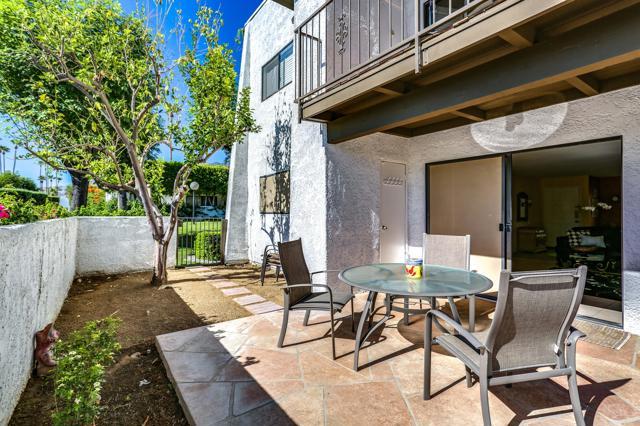 2250 S Palm Canyon Drive, Palm Springs CA: http://media.crmls.org/mediaz/60792CF5-8196-41FD-B01E-D9795B2C1B50.jpg
