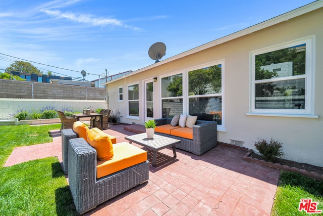 13107 Rose Ave, Los Angeles, CA 90066 photo 25
