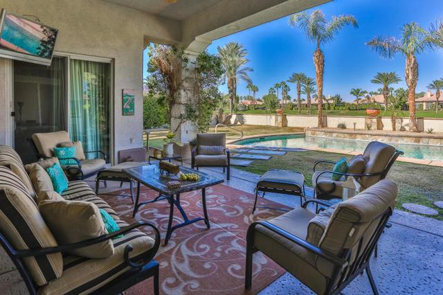 81410 Golf View Drive, La Quinta CA: http://media.crmls.org/mediaz/60F79AEE-BFC2-45C9-BCB6-84DE6DFC65C6.jpg