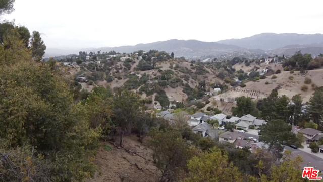 919 Rome Drive, Los Angeles CA: http://media.crmls.org/mediaz/61382048-B0E9-4404-B29D-FB1898FB7D58.jpg
