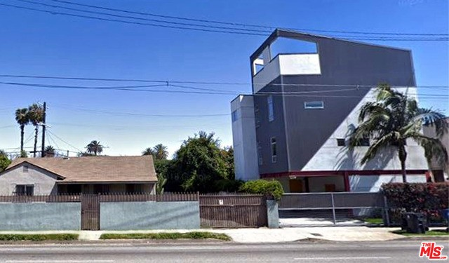2656 S LA BREA Ave, Los Angeles, CA 90016