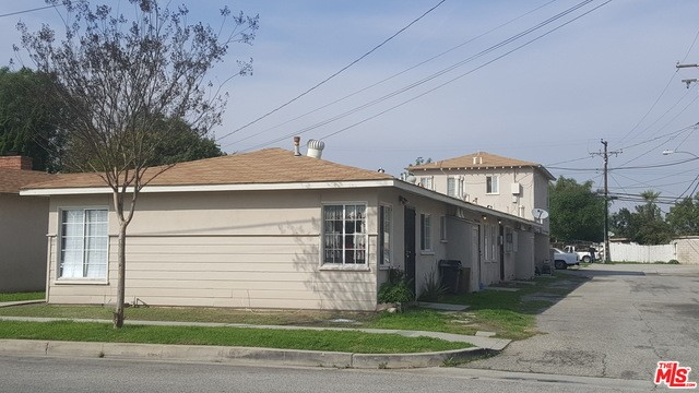 Single Family for Sale at 11859 207th Street Lakewood, California 90715 United States