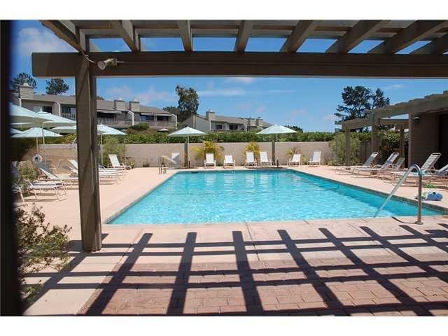 13330 Caminito Mar Villa, Del Mar CA: http://media.crmls.org/mediaz/619A692A-A9FF-4EA9-B272-60C327F0A164.jpg