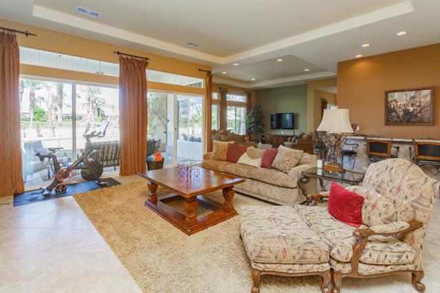 81410 Golf View Drive, La Quinta CA: http://media.crmls.org/mediaz/619A79F0-7CA3-48B0-B9A9-872E82285004.jpg