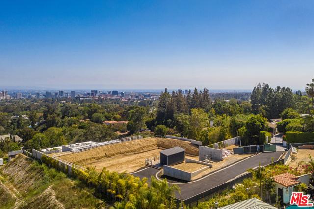 805 Nimes Place, Los Angeles CA: http://media.crmls.org/mediaz/61D1691D-8153-4D2A-9DC3-72F063539A2F.jpg