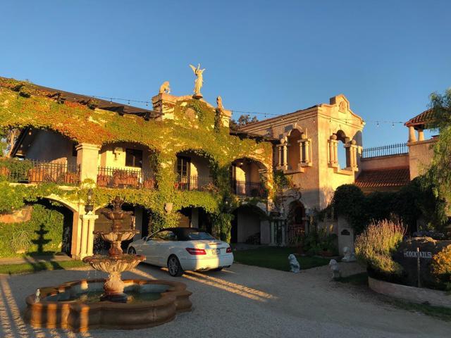 300 Country Club, Carmel Valley CA: http://media.crmls.org/mediaz/61D880A4-F289-47BC-94D4-4ECDC608AC74.jpg