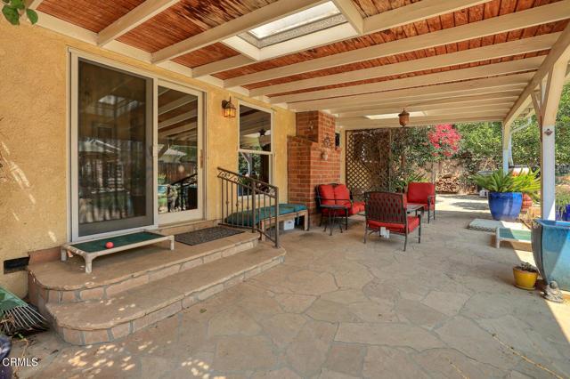 9716 Helen Avenue, Shadow Hills CA: http://media.crmls.org/mediaz/6223FF3D-95DE-41D3-8ABB-C40BE8E5F95F.jpg