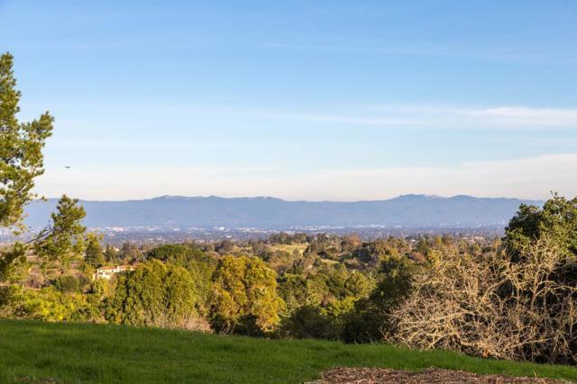 27474 Sunrise Farm Road, Los Altos Hills CA: http://media.crmls.org/mediaz/623A5BC2-64AA-4EBD-A286-BA6CE128CA54.jpg