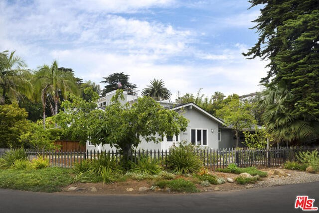 Single Family Home for Sale at 8113 Puesta Del Sol Carpinteria, California 93013 United States