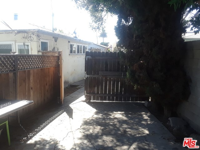 2614 Clyde Ave, Los Angeles, CA 90016 photo 7