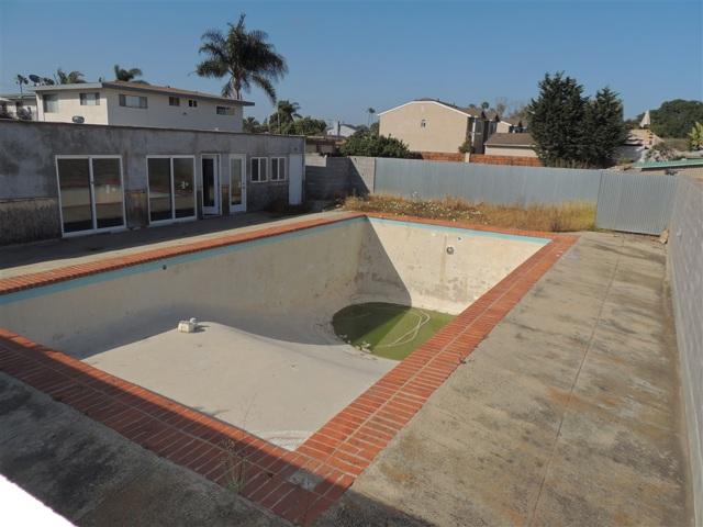 1500 Alvarado, Oceanside CA: http://media.crmls.org/mediaz/62B6056D-D7F4-4C40-9397-20C8F89A2B56.jpg