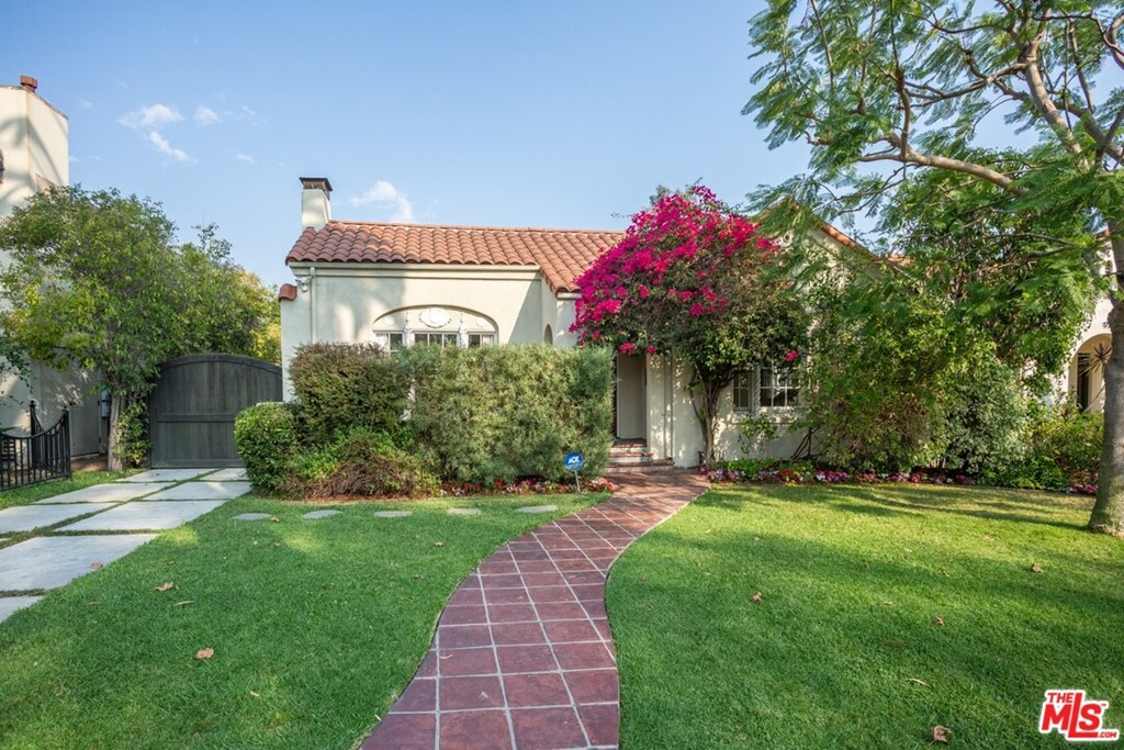908 Keniston Avenue #  Los Angeles CA 90019
