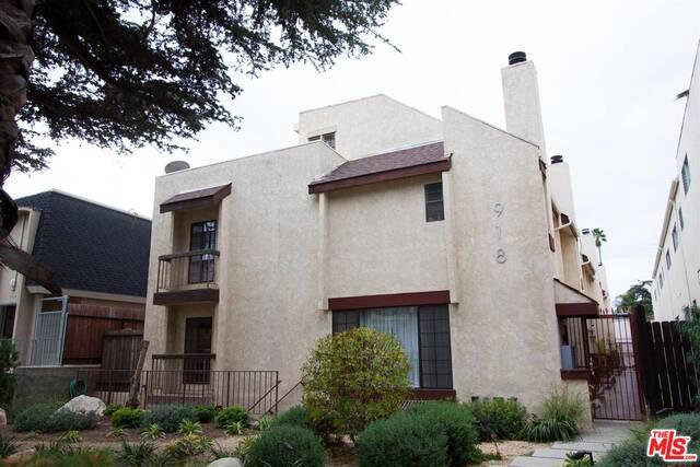 Condominium for Sale at 918 9th Street Santa Monica, California 90403 United States