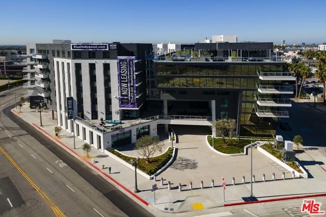 1331 N Cahuenga Boulevard, Los Angeles CA: http://media.crmls.org/mediaz/63430141-9964-4CD6-A43B-03C0D143FA2A.jpg